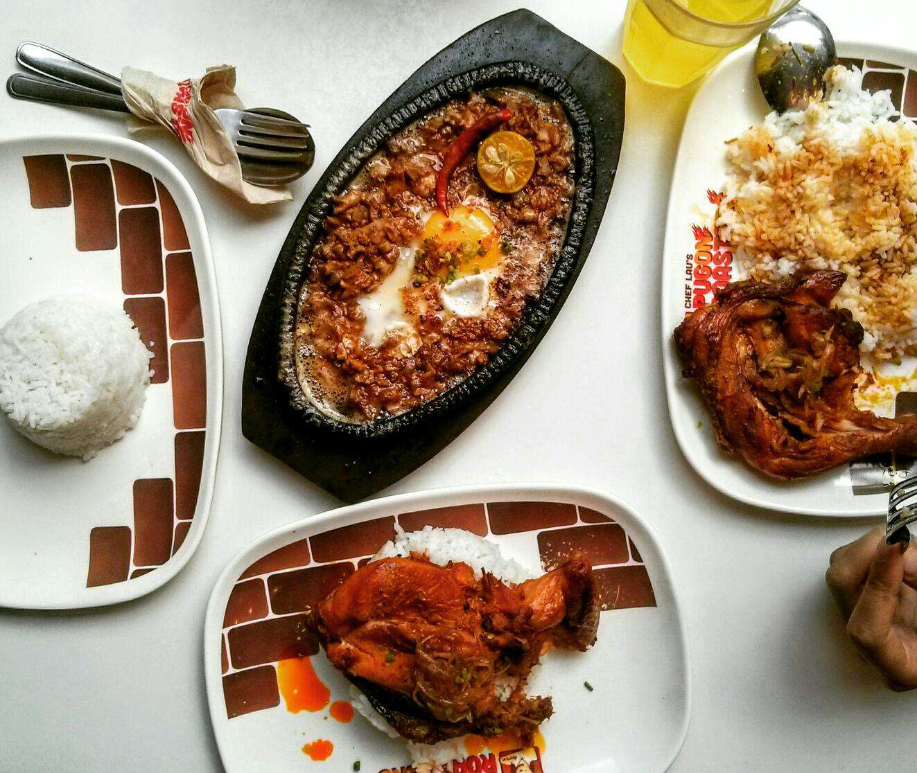 Country Kitchen Zomato: Where To Eat Lunch On The Cheap In Salcedo Village
